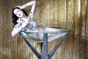 Carrie-Ann – Dita Von Teese Burlesque Act – Britain's Got Talent | Nottingham | UK