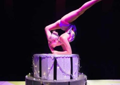 Delia – Acrobalance with Cake | London | South East | UK