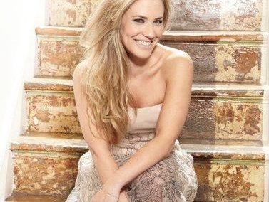Georgie Thompson | Event Host | UK