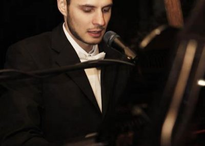 Jon – Pianist & Vocalist | Hertfordshire| Eastern| UK