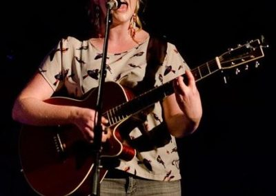 Nina – Acoustic Guitarist & Vocalist | UK