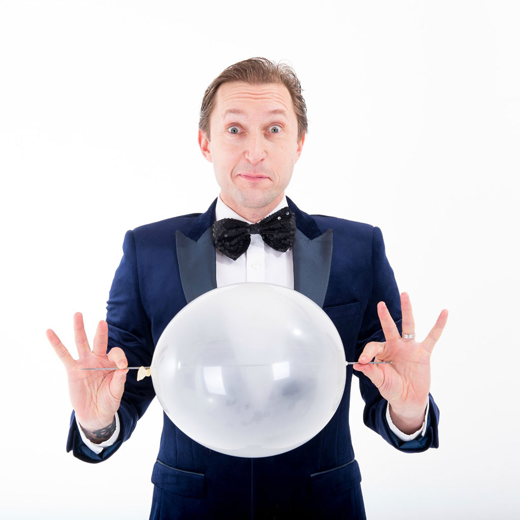 Ritchie – Balloon Modeller