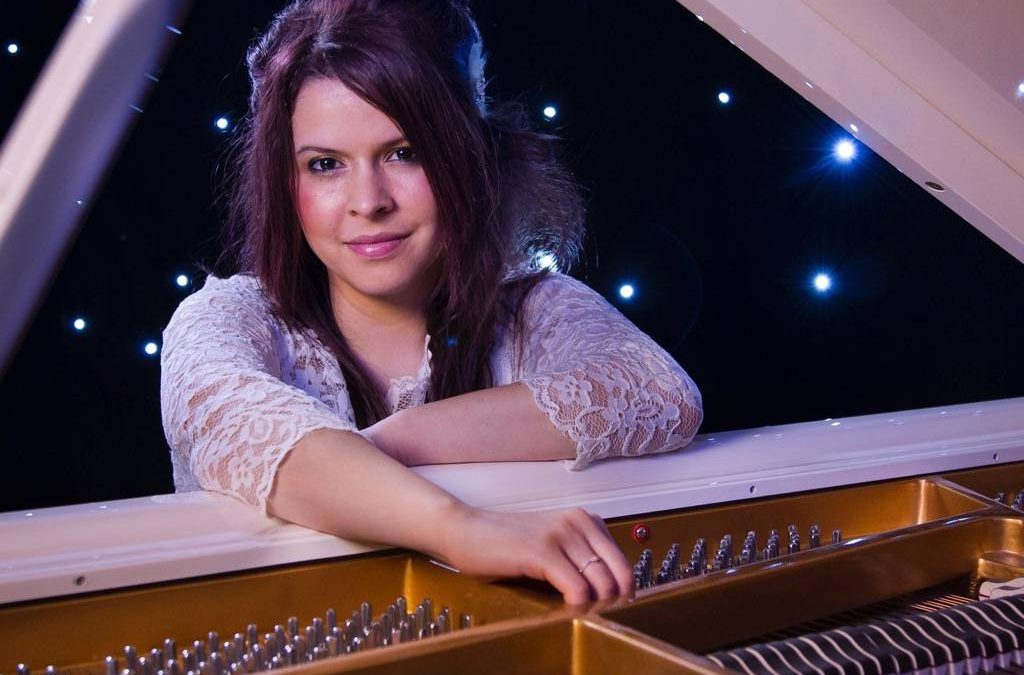 Rosa – Pianist | London | UK