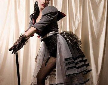 Sapphire de Vine – Burlesque Performer   London  UK