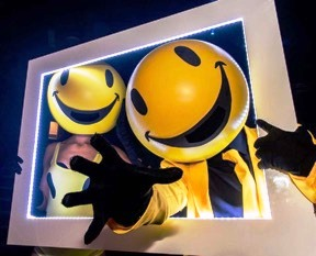 Smiley Heads – Walkabout Character Act | London | UK