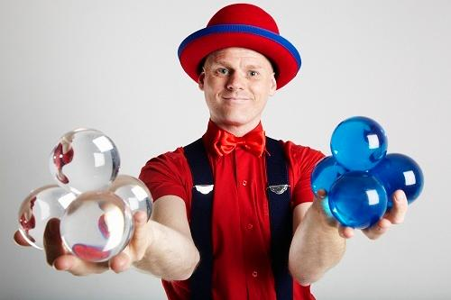 Stewart – Juggler & Contact Juggler | London| UK
