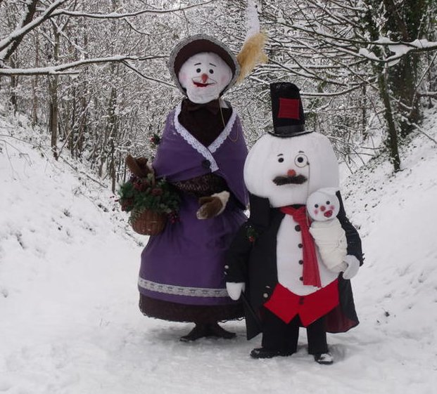 The Victorian Snow Family – Walkabout Act | Birmingham | West Midlands | UK