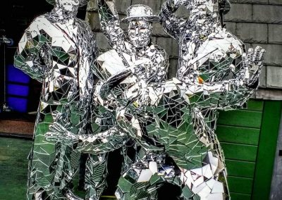 Mirror Dancers – Walkabout Act   UK