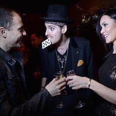 Chris Cross – Walkabout Magician | Newcastle | North East | UK