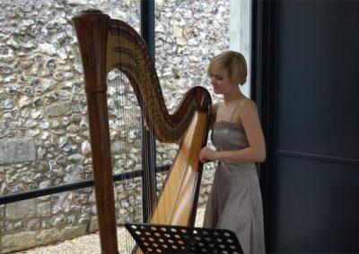 Alexandra – Acoustic Harpist   UK