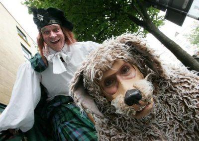 Big Rory, Ochie the Dog & Morag – Stilt Walkers | UK