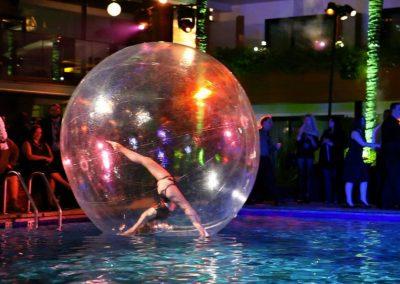 Gravity – Bubble Contortion Act | UK