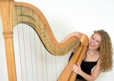 Harriet – Acoustic Harpist   UK