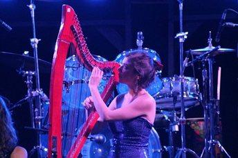 Katya & Phoebe – Harp & Vocal Duo   UK