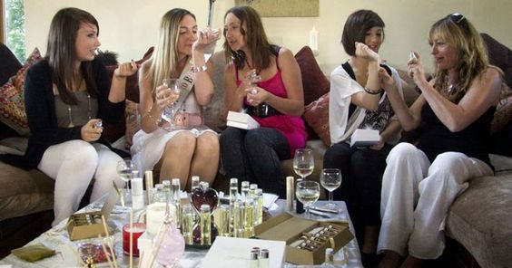 Booking agent for the perfume workshop