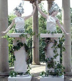 The Glitter Girls – Human Statues | UK