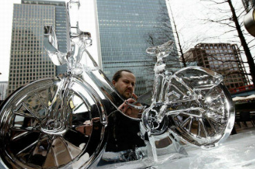 Hire / Book ice designs live ice carving