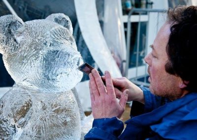Ice Designs – Live Ice Carving Demos | UK