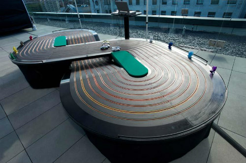 Booking agent for 8 lane scalextric