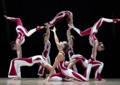 Acro Troupe – Acrobatic Show | UK