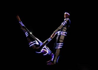 acrobalance_led_show8