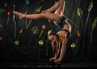 Amazon Foot archery handstand