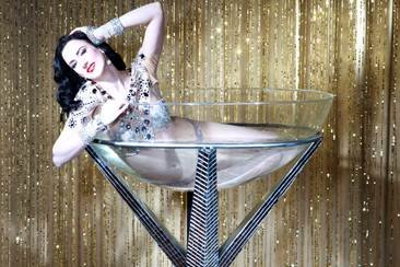 Carrie-Ann – Dita Von Teese Burlesque Act | UK