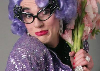 Dame Edna (Simon) – Comedy Lookalike | UK