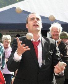 Dan – Juggler | UK