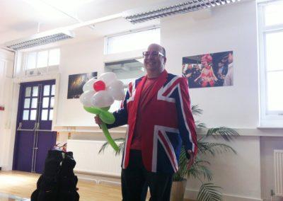 danny_-_cabaret_balloon_show4