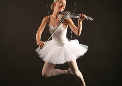dream_violin_aerialist2