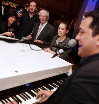 duelling_pianos2