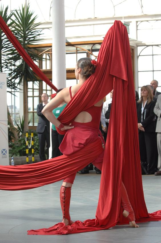 booking agent for Edinburgh Performers – Aerial Silks & Trapeze