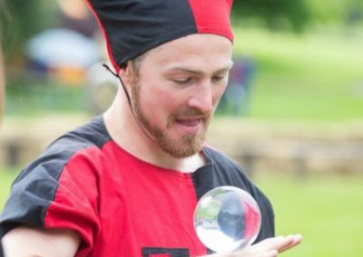 Contact Jugglers: Edinburgh Performers – Edinburgh, Scotland