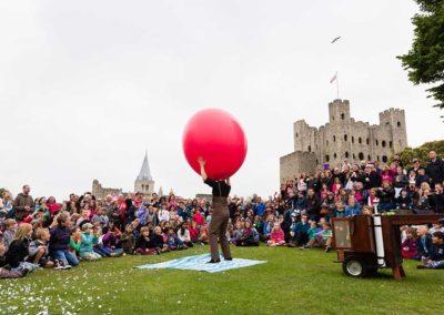 Giant Balloon Show – Family Show | UK