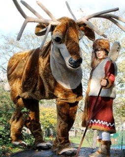 giant_reindeer1