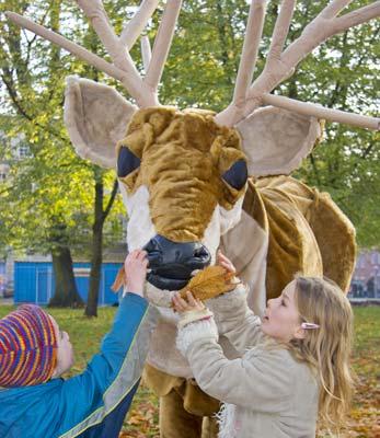 giant_reindeer6