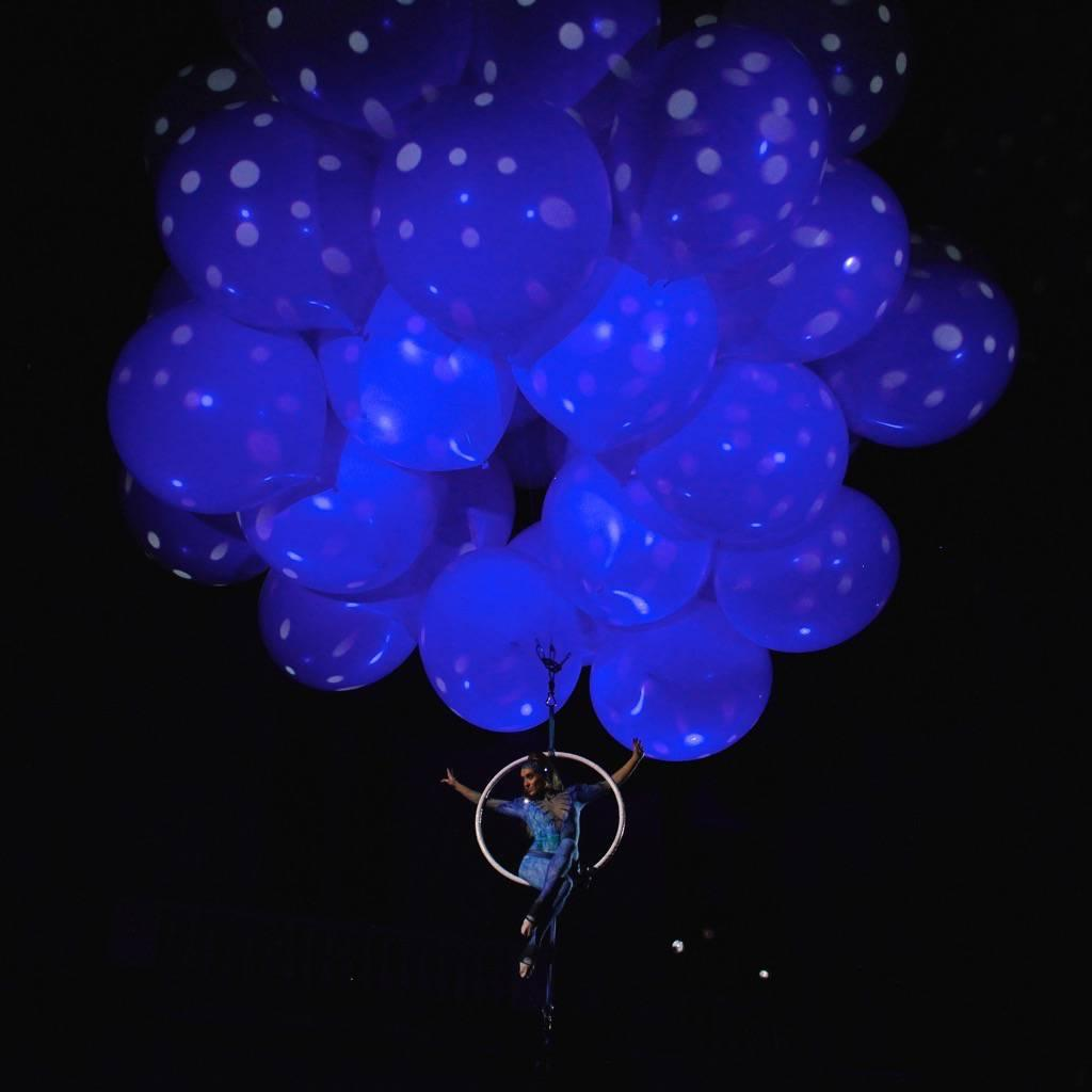booking agent for helium aerial shows