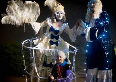 Illuminated Aristocrats – Stilt Walkers | UK