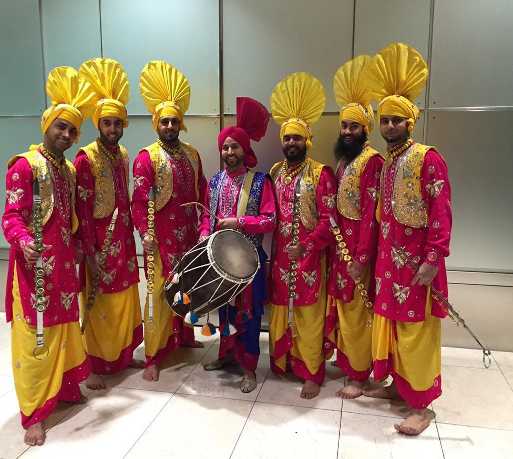 Book Punjabi Dance Troupe