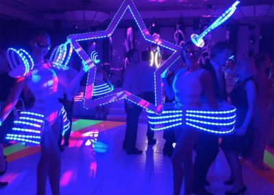 led_costumes__roaming_tables12
