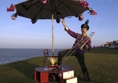 mr-_honk__the_amazing_one_man_bandstand2