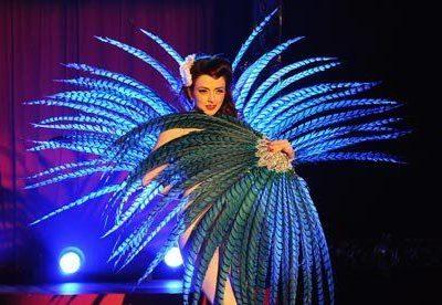 Polly – Burlesque Performer | UK