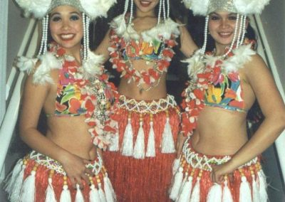 polynesian_dancers_hula_girls2
