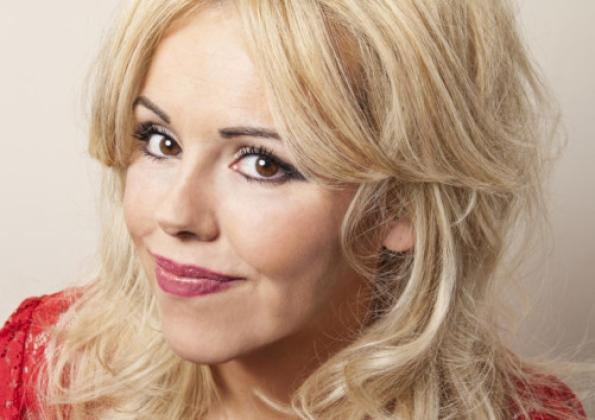 Boooking agent for Roisin Conaty
