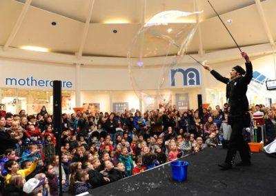 Samsam – Bubble Performer | London| UK