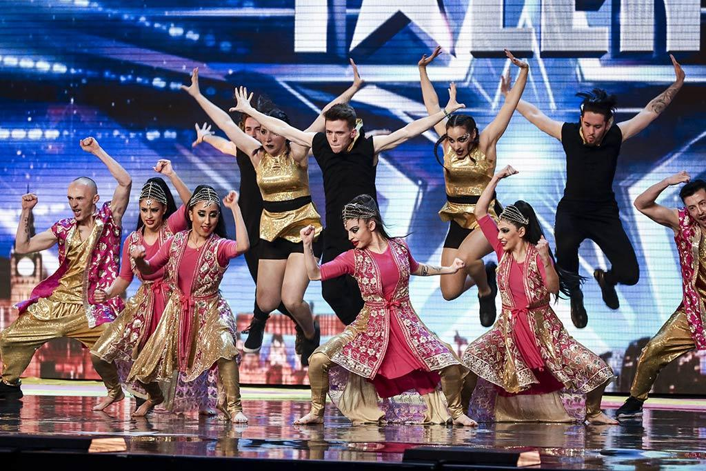 Booking agent for sapnay bollywood dancers