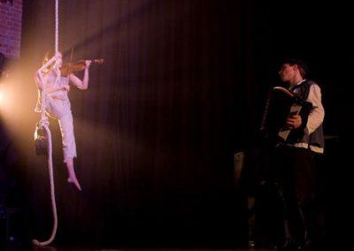 anna-musical-aerial-rope1