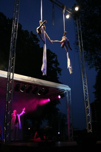 claire-nicole-aerial-silk3