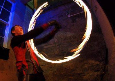 edinburgh-fire-performers2